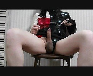 Masturbation that puts on latex figure skating clothes